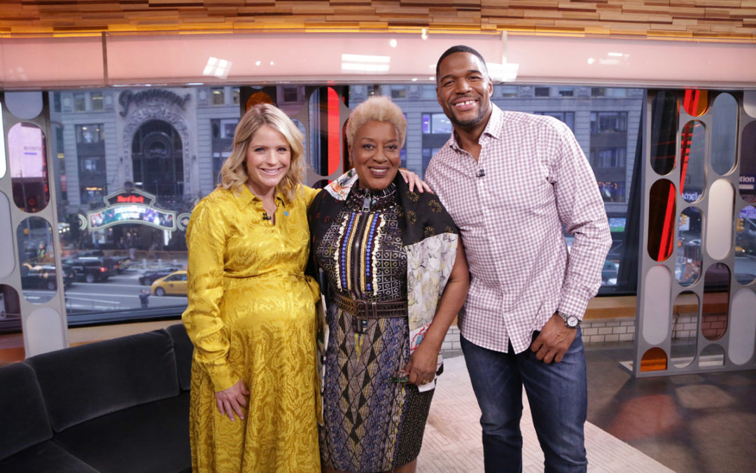 Michael Reunites With His TV Mom, CCH Pounder: 5/14/2019